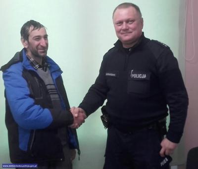 Wyczerpany wędrował pieszo zKopenhagi doBudapesztu. Pomógł mu dzielnicowy zSobótki
