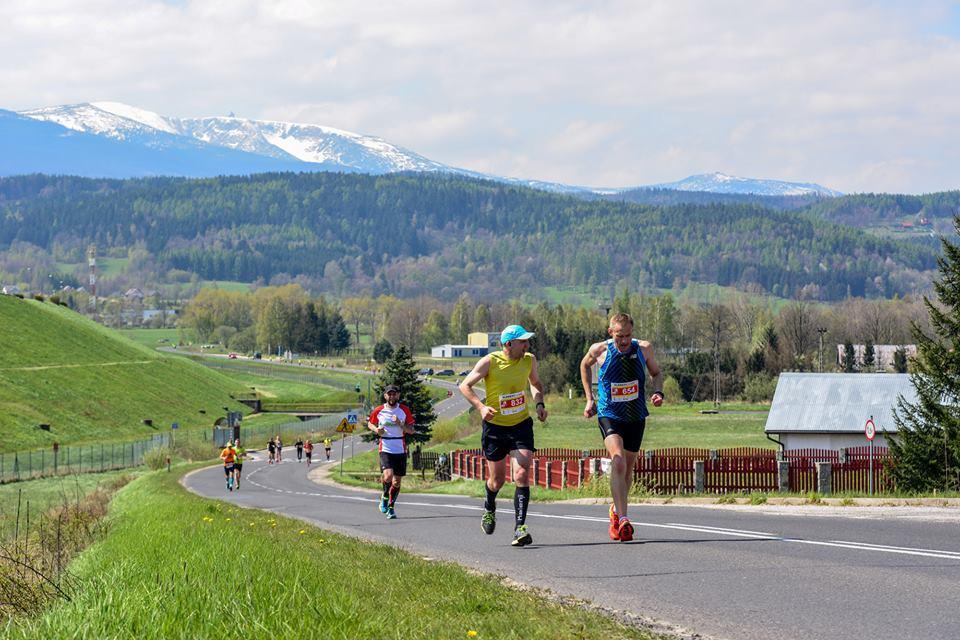 VI Półmaraton Jeleniogórski iDziesiątka Staropolanki. Jeszcze można dołączyć. Zobacz profile