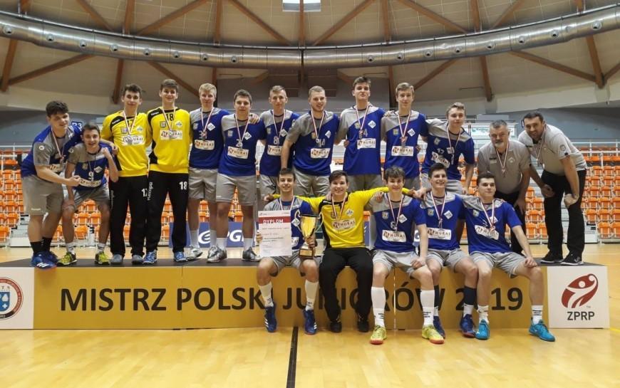 Piłkarze ręczni Siódemki Huras Legnica wicemistrzami kraju