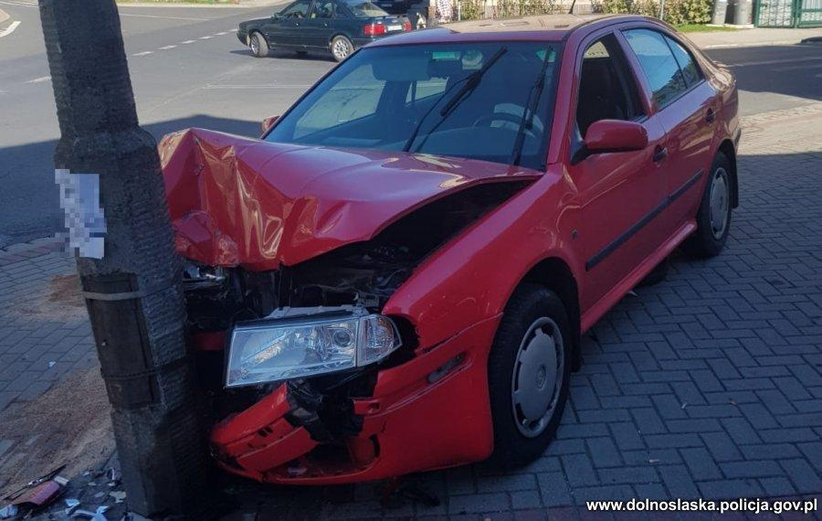 W trakcie pościgu zatrzymali sprawcę kradzieży samochodu
