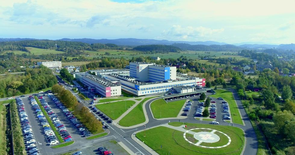 Jeleniogórski szpital - testy na korona wirusa inowe kontenery medyczne